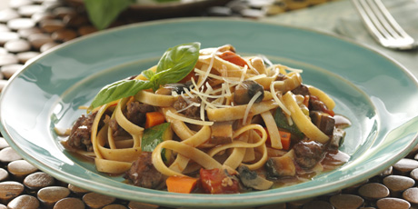 Chunky Beef 'N Vegetable Fettuccine